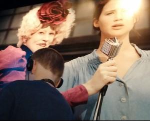 Hunger Games 1 - Effie mic