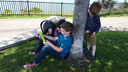Using Unite Explore by NETGEAR for a homeschool lesson outdoors