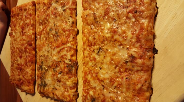 Ellio's 1 - pizza